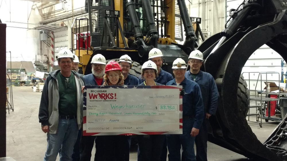Weyerhaeuser Trains 75+ Thanks to Michigan Works! Programs